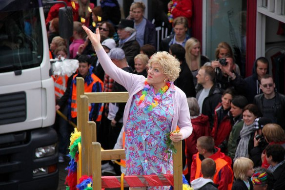 mayor-of-reykjavic-jon-gnarr-pride-parade-drag
